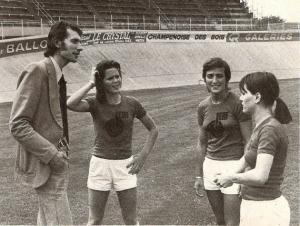 This lovely photograph shows O'Brien (2nd right) beside the late Pierre Geoffroy during training with Reims. Two other players Dejean and Souef look on.