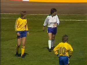 Maggie Pearce keeps an eye on Pia Sundhage in the Euro 1984 final